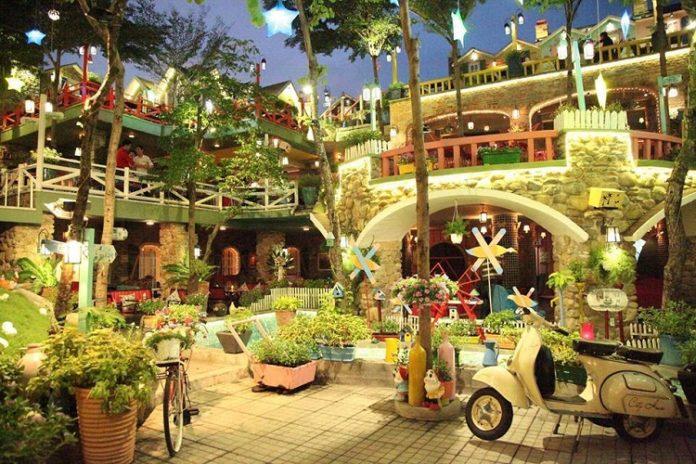 mô hình vườn tường đứng đẹp cho các quán cà phê