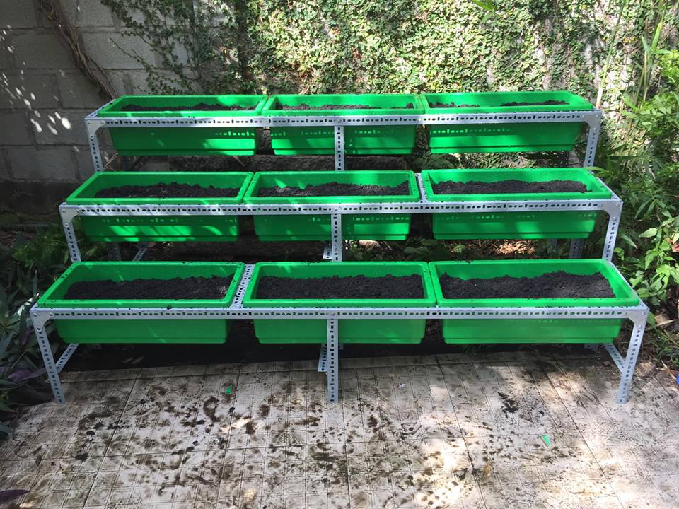 Quang Anh-Địa chỉ bán kệ trồng rau bậc thang di động giá rẻ tại tphcm
