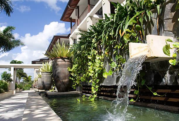 Thăng hạng cảnh quan ngôi nhà chỉ với vườn tường đứng Quang Anh HCM - Biệt thự Phú Gia - Phú Mỹ Hưng - Quận 7